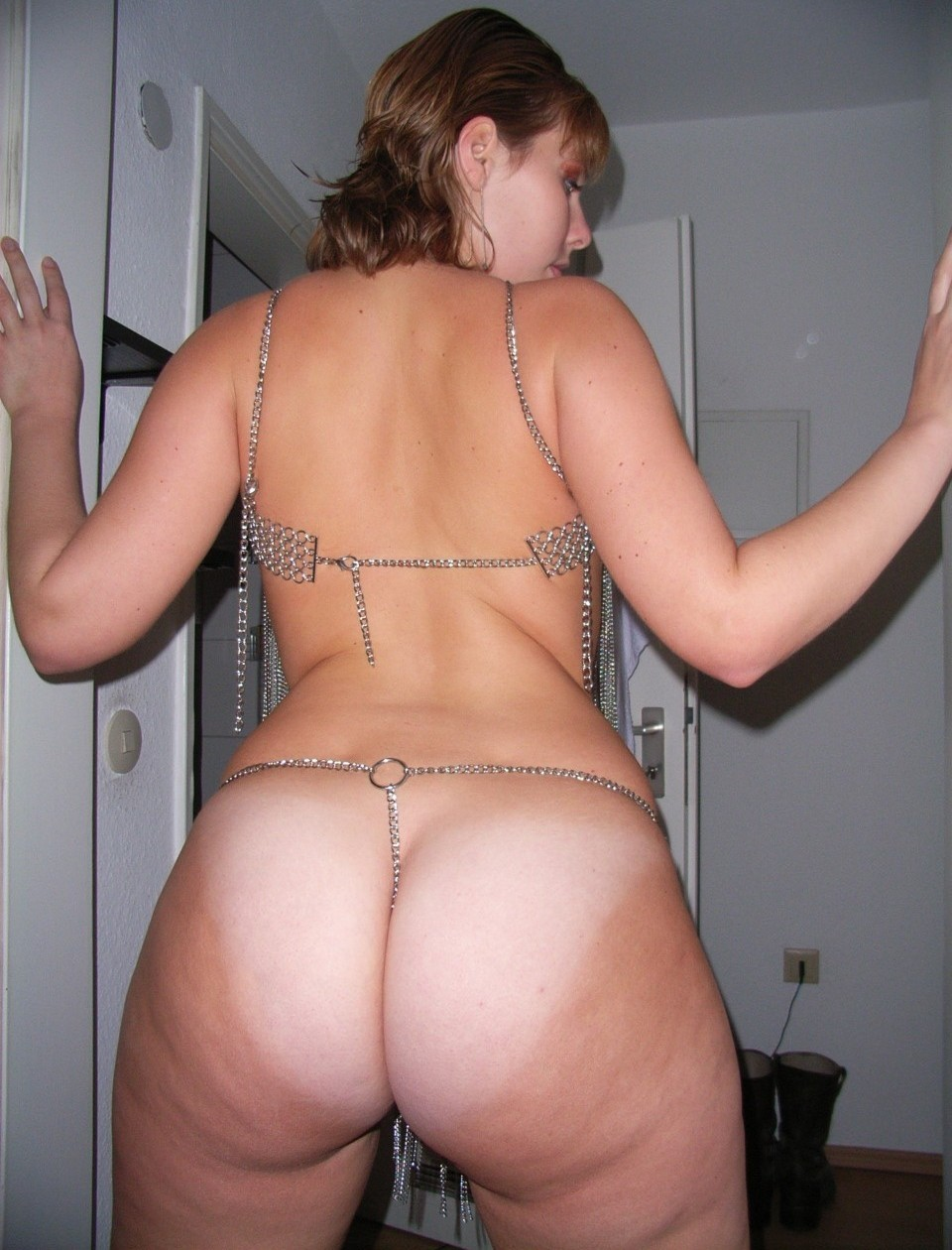 Nice booty milf