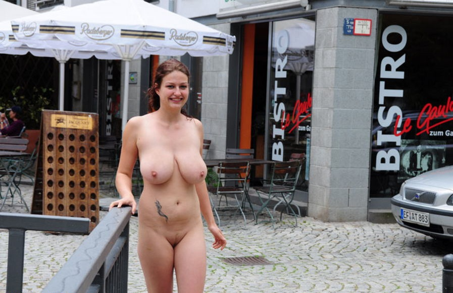 ftvtopless-ramp-walk-big-boobs