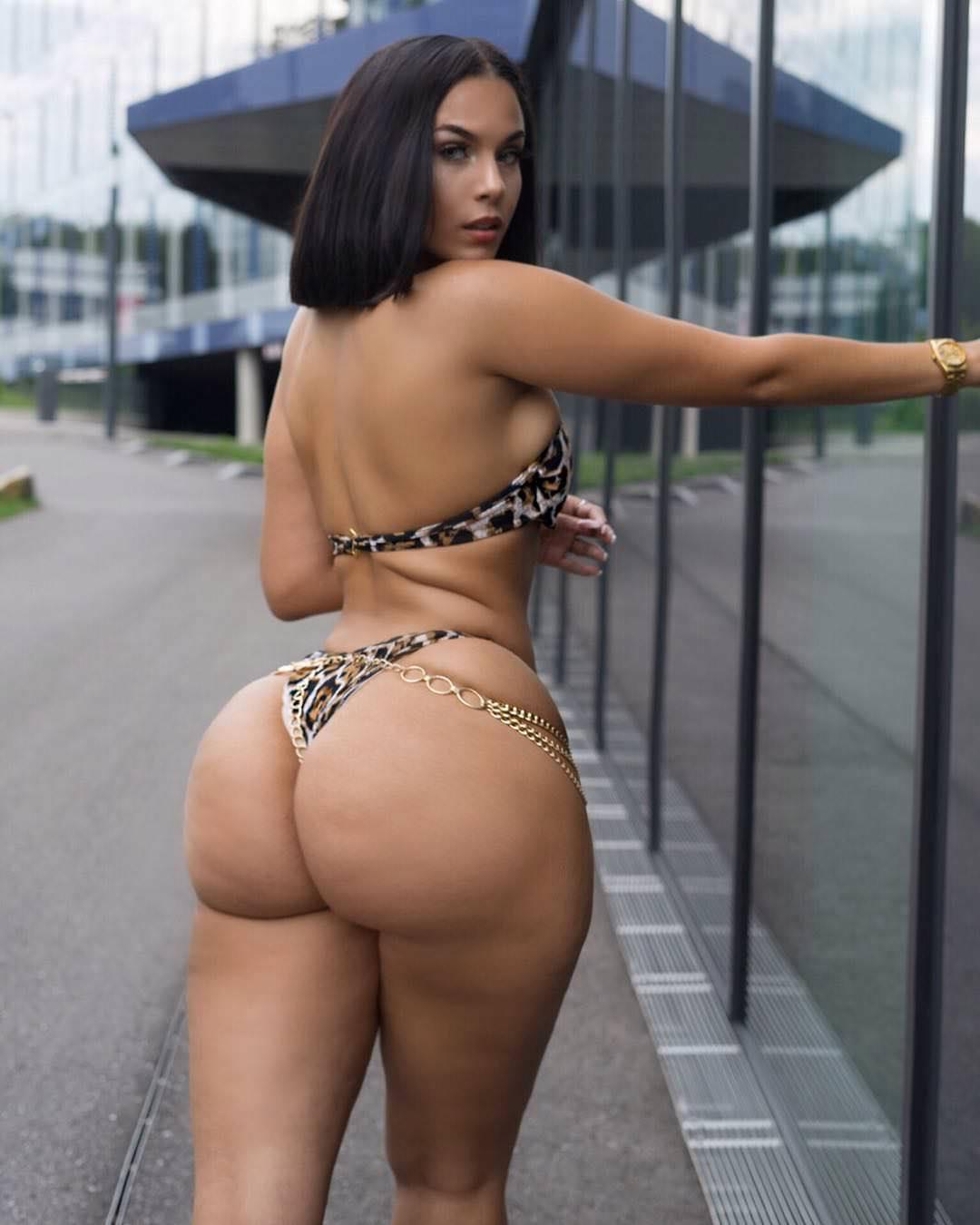 Latina Big Tits And Ass