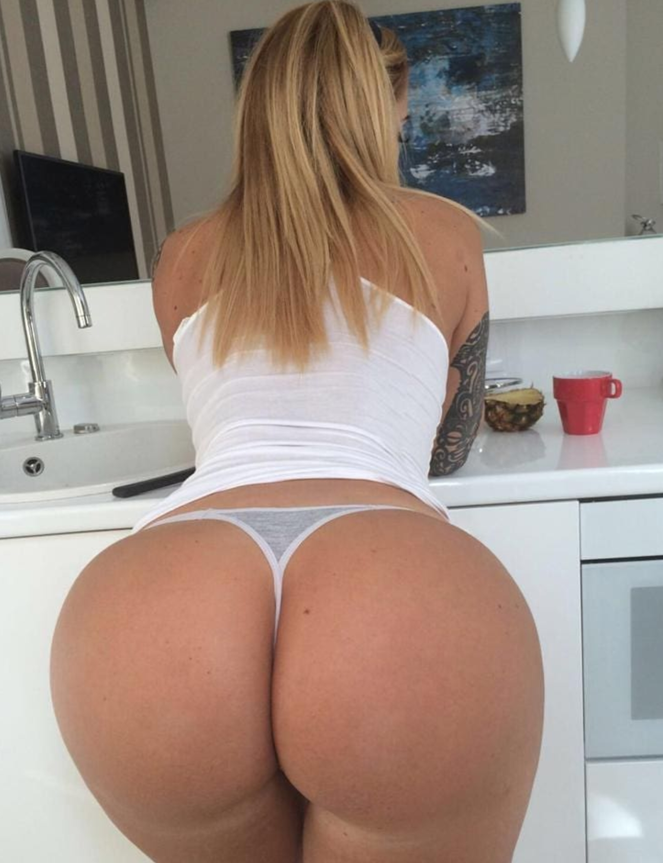 See And Save As White Girl With Perfect Big Round Ass Porn Pict