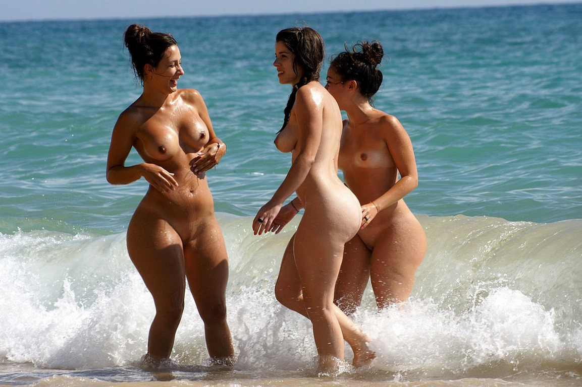 Spanish women naked ass — 2