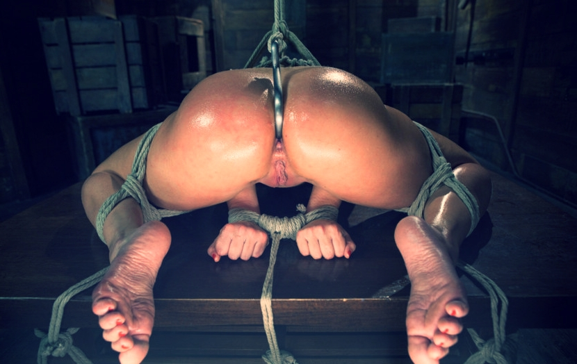 Shemale pics in category bondage anal toys