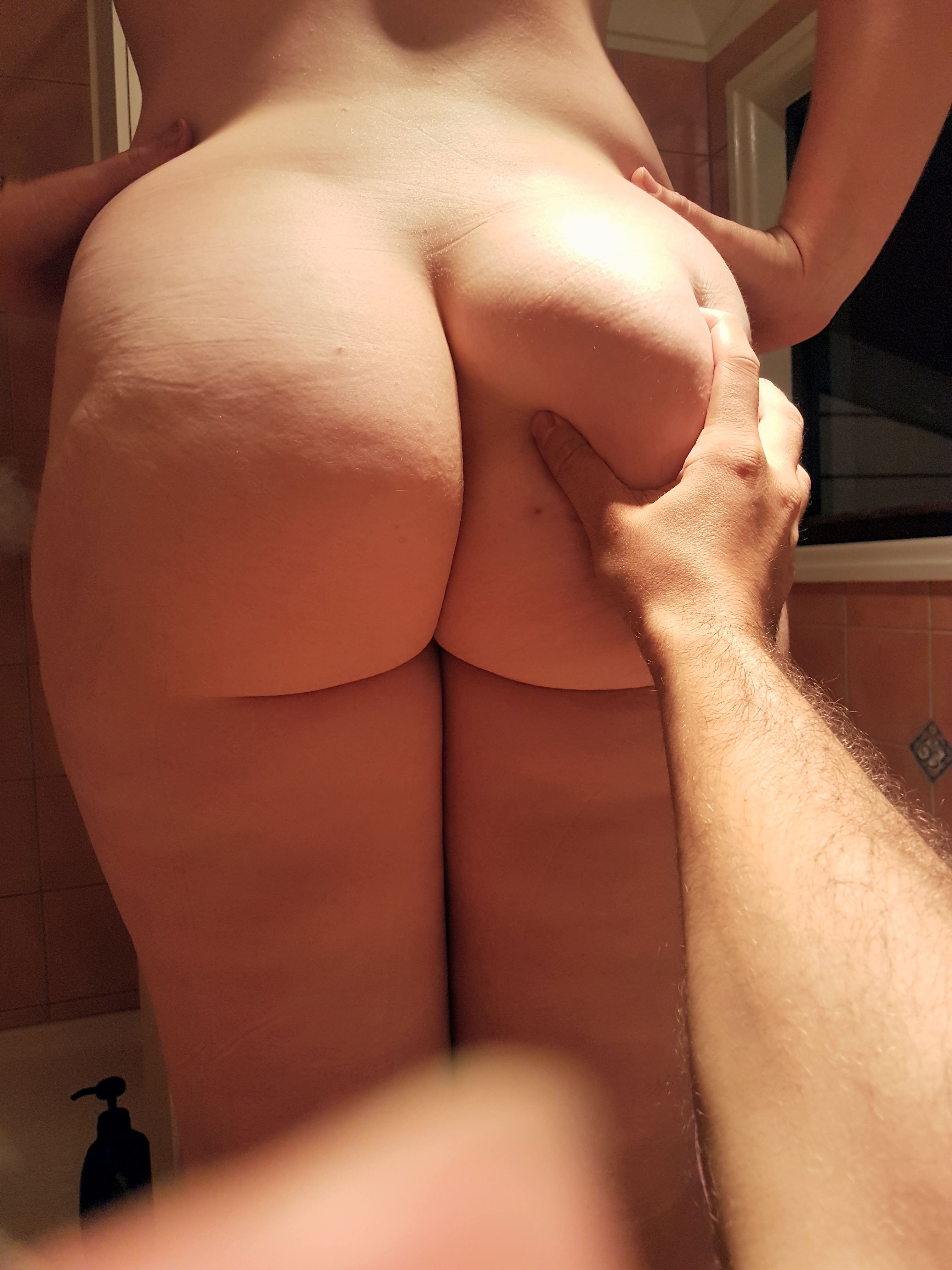 Squeezing Ass