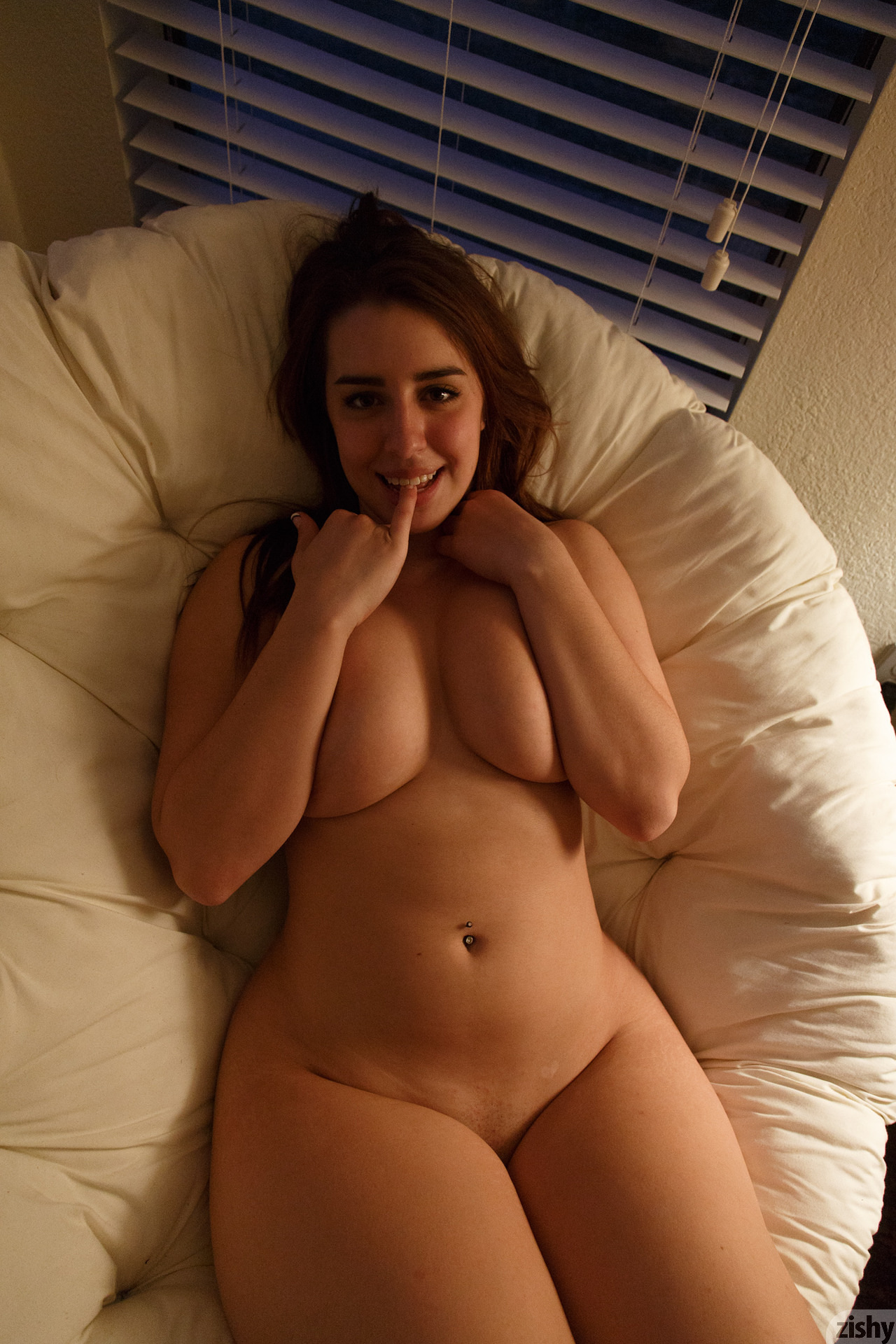 Thick amatuer wife naked