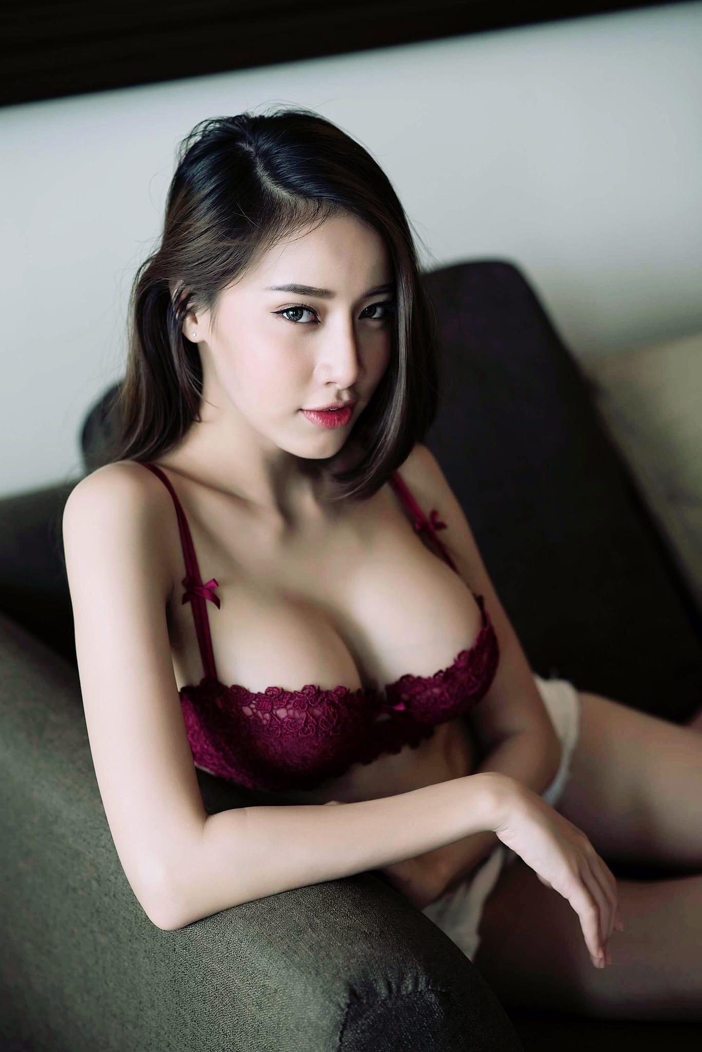 rotten-cumshot-asian-nude-vinyl-bra