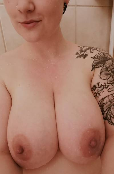 When your date cancels and your husband is sleeping, you have a shower and take nudes for reddit. 😉 (F)
