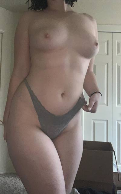 [OC] Rainy day makes bad lighting but I can't help but share my body!