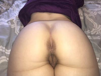 Looking for a bull to fuck my hottie. 23f located in Alberta.