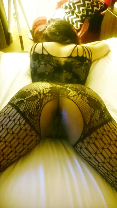 Rocking the bodystocking! Wi[f]ey (33) looks so damn good in fishnets, and that arse that is perfection!