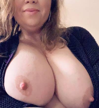 Total titty Tuesday. May yours be filled with em. 😃