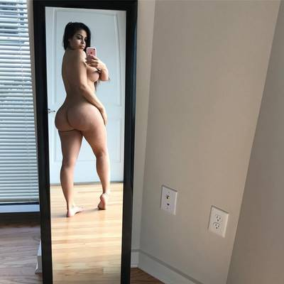 Thin mirror, thick ass