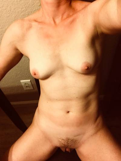 Naked on my chair (F45)