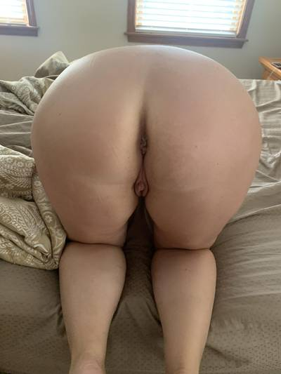 48F She says if she gets more likes and graphic comments the next post will blow your mind!! She's looking for a huge one!!