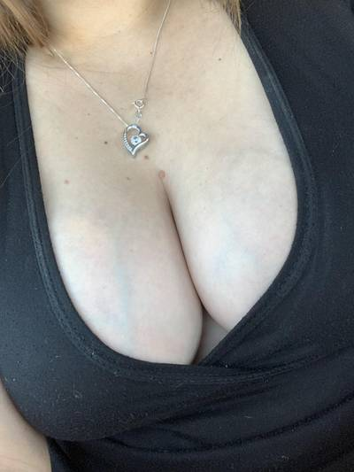 Is this too much cleavage?? [oc]
